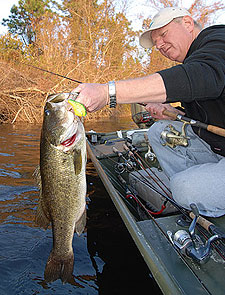 Floods, droughts and other factors constantly change our bass waters -- but the bass themselves are resilient. Here's a statewide look at some of our best fisheries. (February 2009)