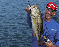 These half-dozen hotspots may be the best places for Oklahoma City- and Tulsa-area anglers looking to tangle with lunker largemouths this spring. (May 2006)