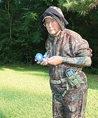 How to Repel Bugs While Hunting