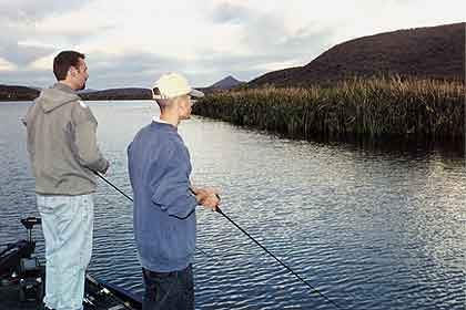 Check out these great bass lakes in southern Arizona to avoid the crowds and catch your fill. (April 2010)