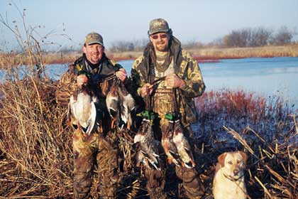 Wintertime has rolled into Idaho and Montana, but that doesn't mean that late-season duck hunting -- or goose hunting -- has rolled out of town! (Dec 2006)