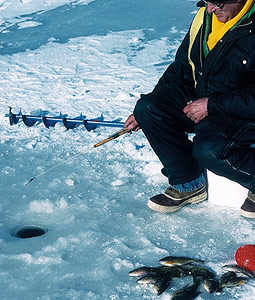 While the ice-fishing was sporadic on this southeast Wisconsin lake last winter, the panfish are still there! Here's how you can outsmart the bluegills, crappies and perch this season. (January 2007)