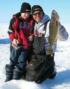 "Known as ""Death's Door"" for the hazardous strait between its northern tip and Washington Island, Door Peninsula and the waters of Green Bay offer some of the best walleye and whitefish ice-fishing in Wisconsin. (December 2009)"