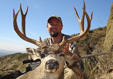 Jeff McCabe took a true Southern California trophy buck in D15.