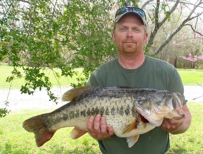 Angler Reels in Oklahoma Record Largemouth