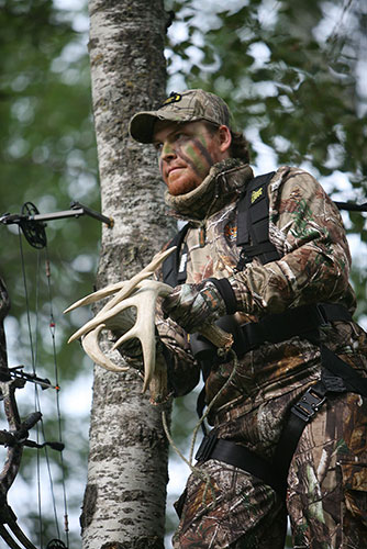 Chris and Casey Keefer are stars on the white-tailed deer hunting stage and here they share their tips for late-season bucks.