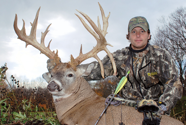 Ryan Dietsch and his 219-inch Ohio bruiser. Photo via North American Whitetail.
