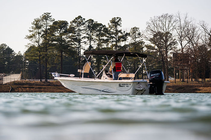 //www.gameandfishmag.com/files/2014-south-regional-fishing-calendar-gear/carolina-skiff-7-hr-prg.jpg