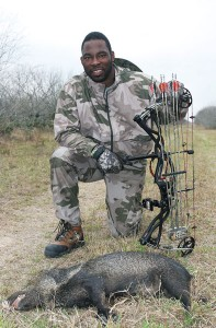 justin tuck, justin tuck hunting, javelina hunting, justin tuck javelina