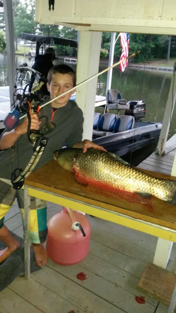 Bow fishing at lake gaston nc game fish for Lake mathews fishing
