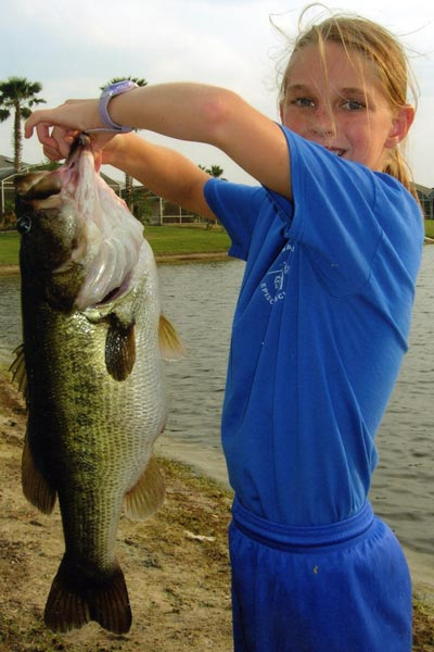 California isn't the only place to search for trophy bass. Daytona Beach native Mackenzie Hickox showing us that Florida is no underdog to monster bass. Here with a whopping 16 lber from a backyard pond.