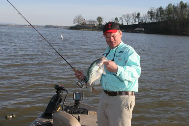10 tactics for fall crappie fishing game fish for Crappie fishing game