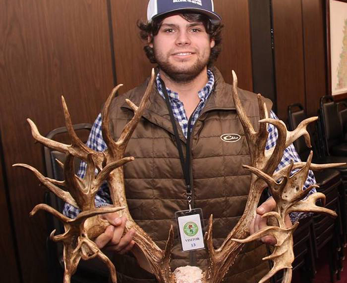 World Record Whitetail 'Life-Changer' for TN Hunter