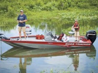 2.-Bass-Tracker-aluminum-bass-boat