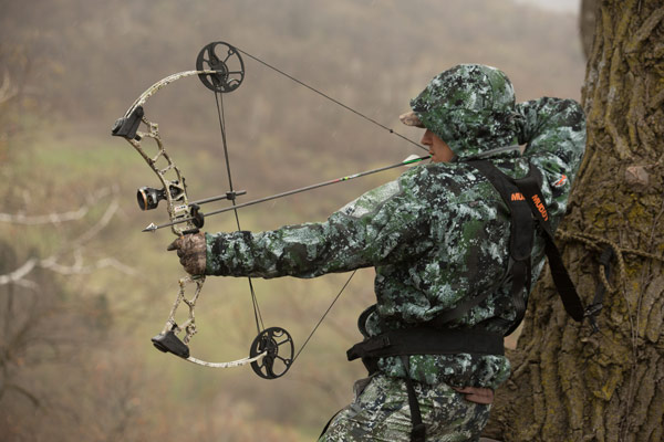 A single-cam bow is ideal for bowhunting whitetails because of the buttery smooth, shoulder friendly draw cycle.