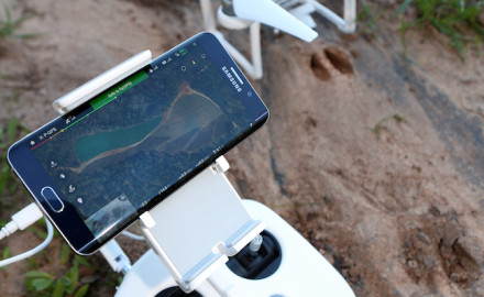 As this nifty piece of technology meets outdoors pursuits, the combination of drones and deer