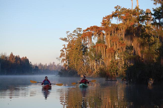 GA Vacation Lodge Canoes