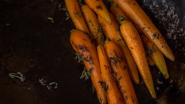 Glazed Baby Carrots with Thyme Recipe