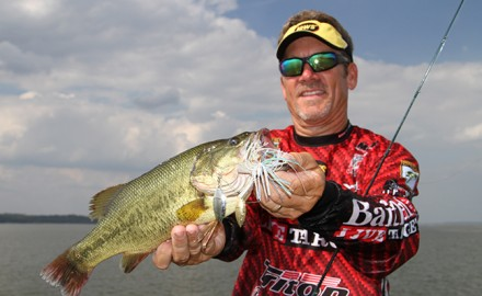 Stephen Browning knows that moving baits like spinnerbaits tend to tempt bass better before and