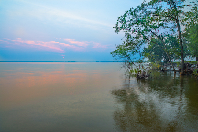 Rend Lake offers superb year-round angling. (Shutterstock image)