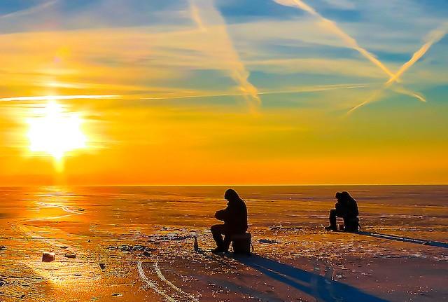 midwinter fishing in Iowa