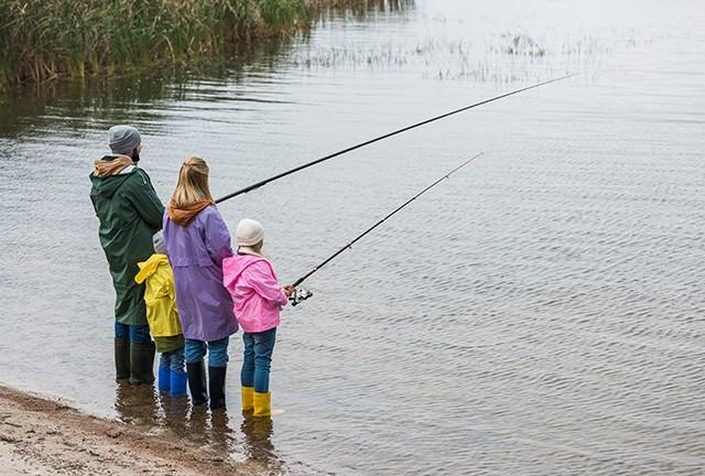NY Family Fishing Feature Image