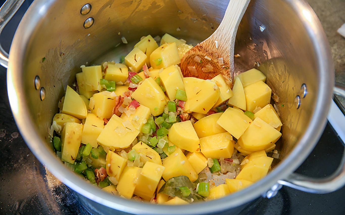 catfish-corn-clam-chowder-recipe-potatoes-L-6