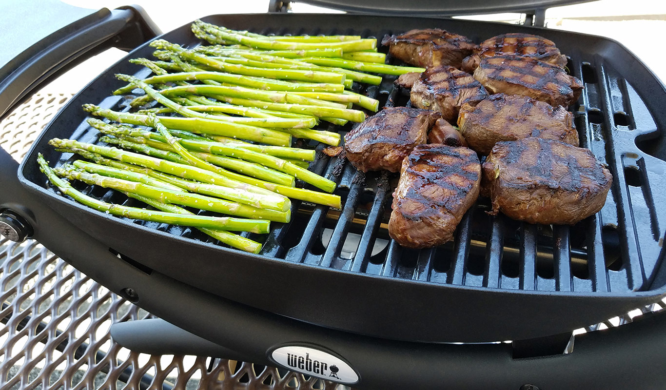 how to cook a steak on the weber q
