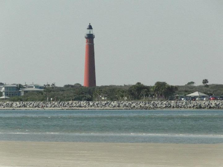 //www.gameandfishmag.com/files/7-worst-beaches-for-shark-attacks/ponce_de_leon_inlet_lighthouse-florida.jpg