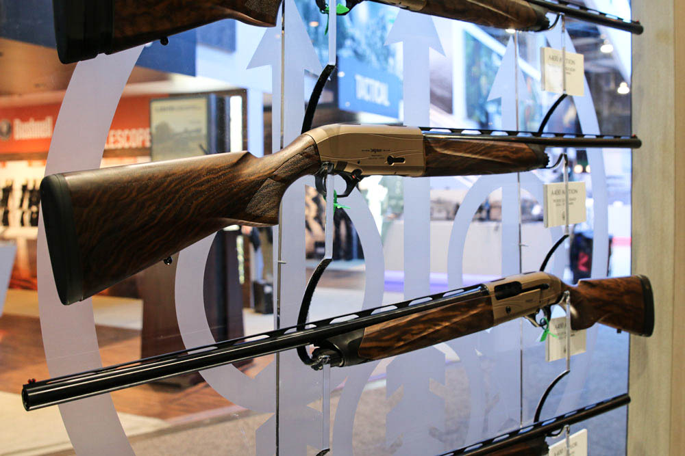 //www.gameandfishmag.com/files/best-new-products-from-shot-show-2015/beretta-a400-left.jpg
