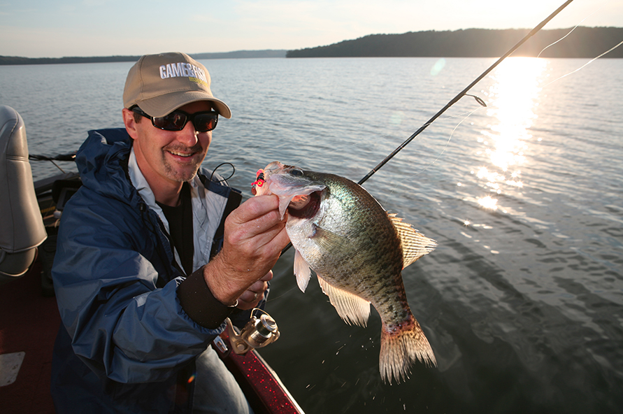 //www.gameandfishmag.com/files/best-spring-fishing-in-your-state/de.png