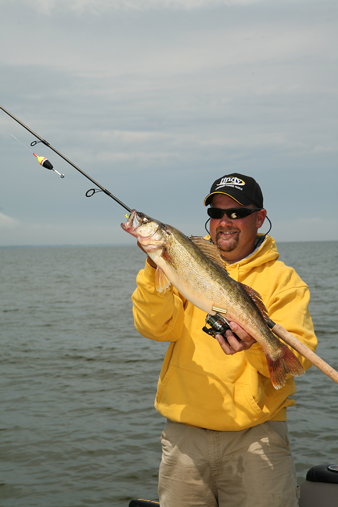 //www.gameandfishmag.com/files/best-spring-fishing-in-your-state/wi.jpg