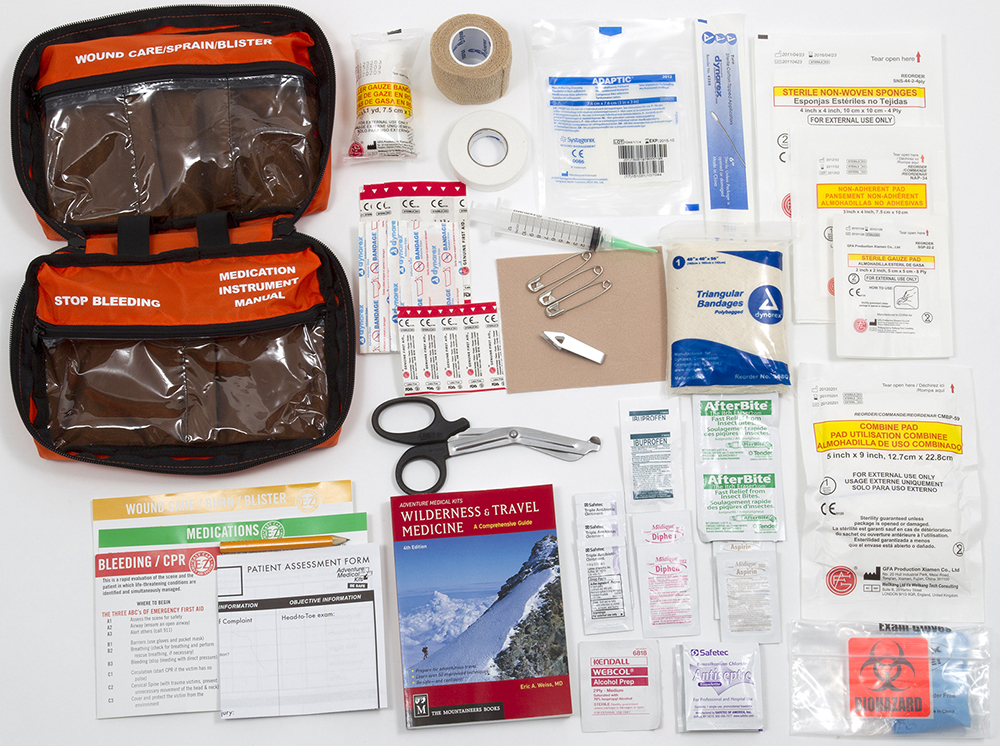 //www.gameandfishmag.com/files/best-survival-gear-for-2014/medical-kit-0105-0387_amk_whitetail_contents.jpg