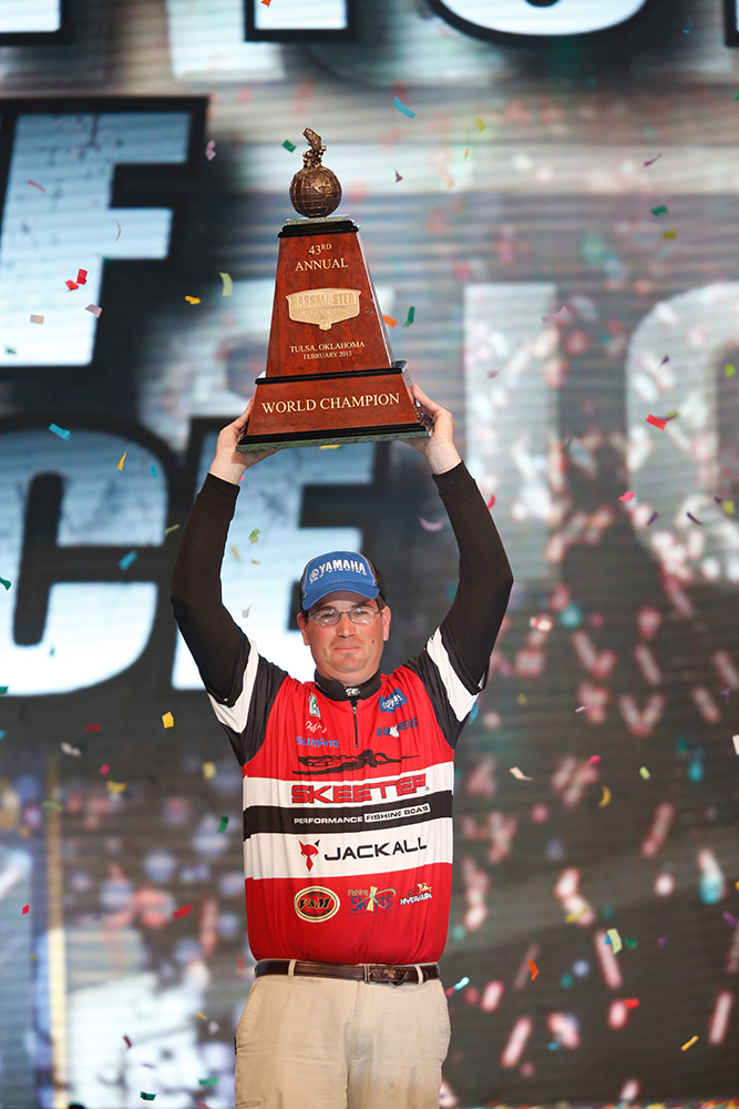//www.gameandfishmag.com/files/biggest-bassmaster-wins-ever/c-cliff_pace-0010.jpg