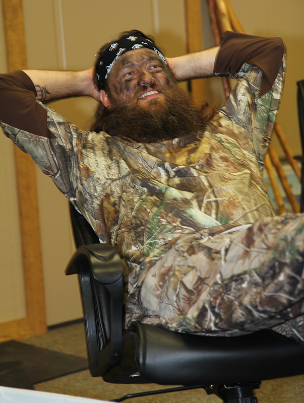 //www.gameandfishmag.com/files/duck-dynasty-willie-robertson-outtakes/img_3359.jpg