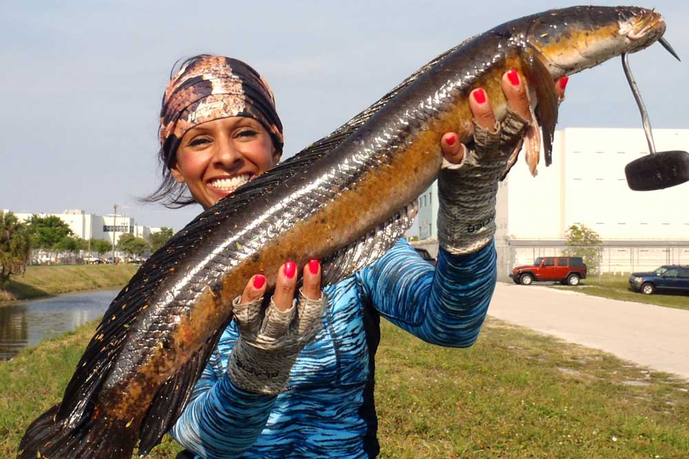 //www.gameandfishmag.com/files/girls-of-game-fish-angler-edition-part-iii/fort-laud-004.jpg