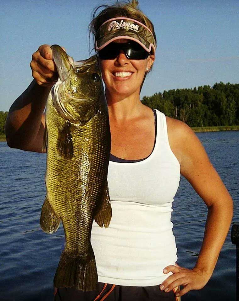 //www.gameandfishmag.com/files/girls-of-game-fish-angler-edition-part-iii/img_64930140757406.jpg