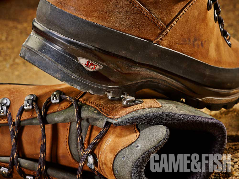 //www.gameandfishmag.com/files/head-to-head-review-best-hiking-boots-for-2014/lowa_comfort_22.jpg
