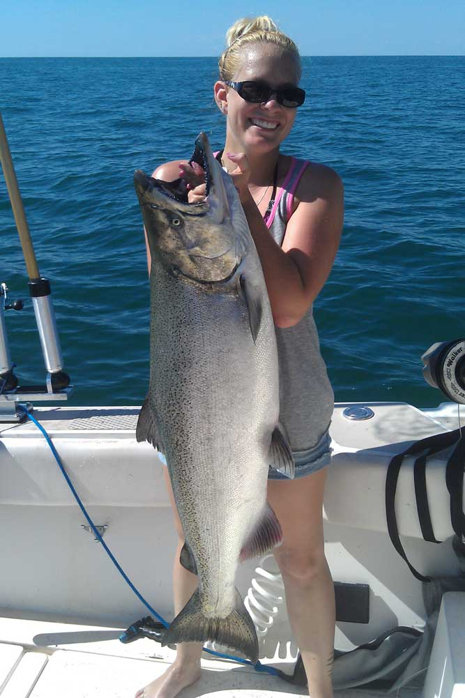 //www.gameandfishmag.com/files/the-girls-of-game-fish-angler-edition-ii/allison-from-new-york.jpg