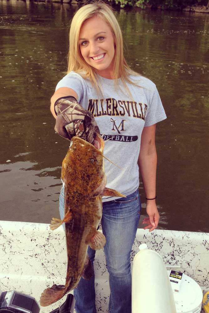 //www.gameandfishmag.com/files/the-girls-of-game-fish-angler-edition-ii/laura-from-pennsylvania.jpg
