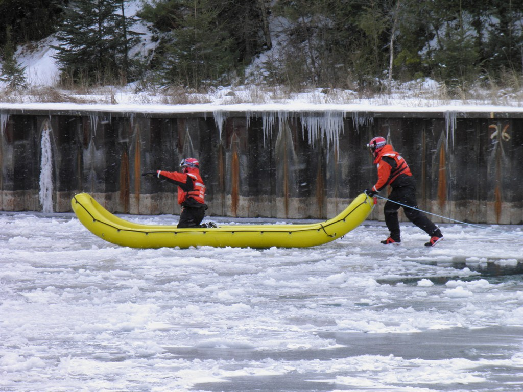 //www.gameandfishmag.com/files/winter-weather-survival/ice-safety.jpg