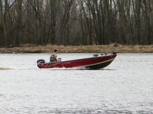Deep-Vee-Boat-In-Fisherman