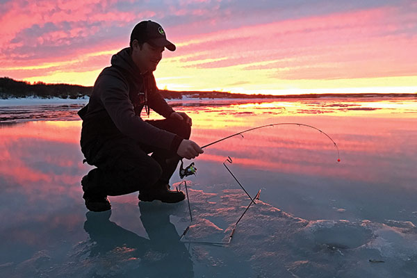 Deadsticking Baits for Ice Fishing