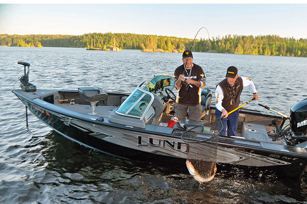 Boat-Presentation-for-Shallow-Walleye