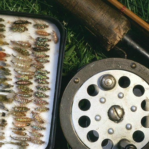 //www.flyfisherman.com/files/10-gifts-for-the-flyfisher/flies-box.jpg