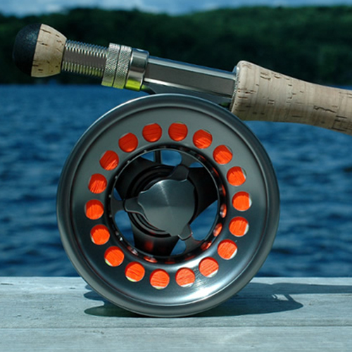 //www.flyfisherman.com/files/10-gifts-for-the-flyfisher/fly-reel.jpg