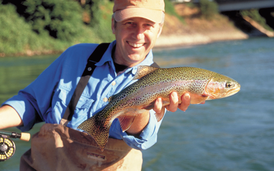//www.flyfisherman.com/files/2011/07/img1-FFMP-090200-SAC-03.jpg