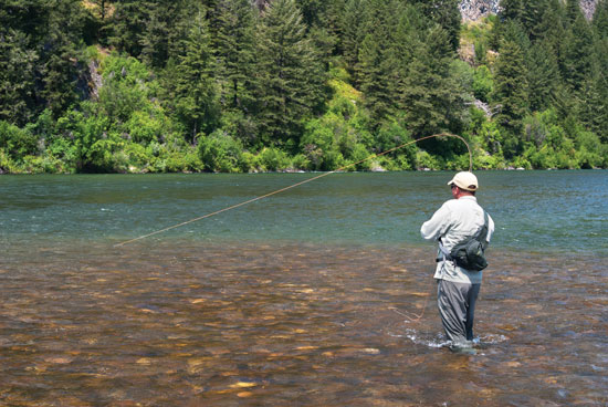 Drift boats vs wading fly fisherman for Fly fishing spots near me