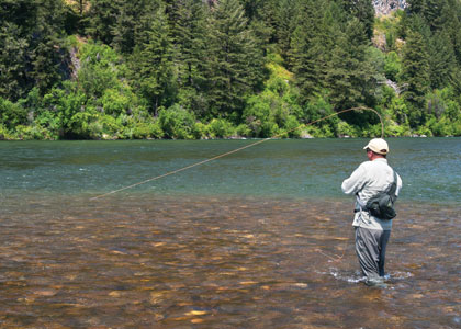 Drift boats vs wading fly fisherman for Best fly fishing waders