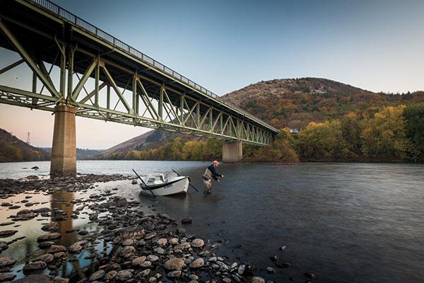 Use-Drift-Boats-Along-the-Lehigh-River
